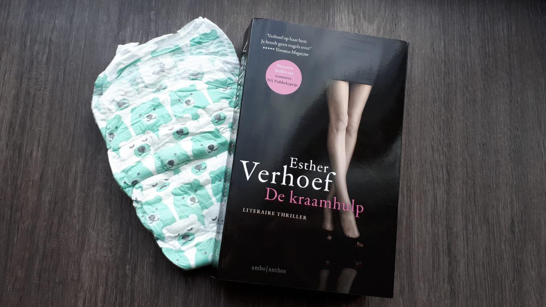 De kraamhulp van Esther Verhoef. Lees de boekrecensie.